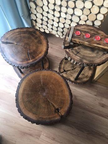 Stolik z plastrow drewna