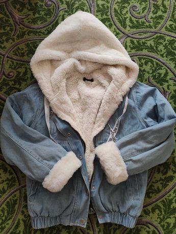 Женская куртка размер L