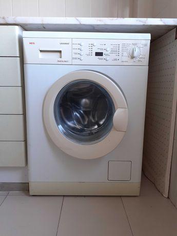 Máquina de lavar roupa AEG Lavamat Triathlon