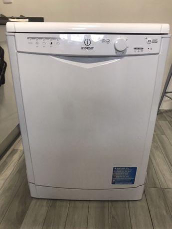 Maquina lavar Indesit