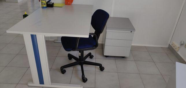 Secretaria, cadeira , módulo de gavetas