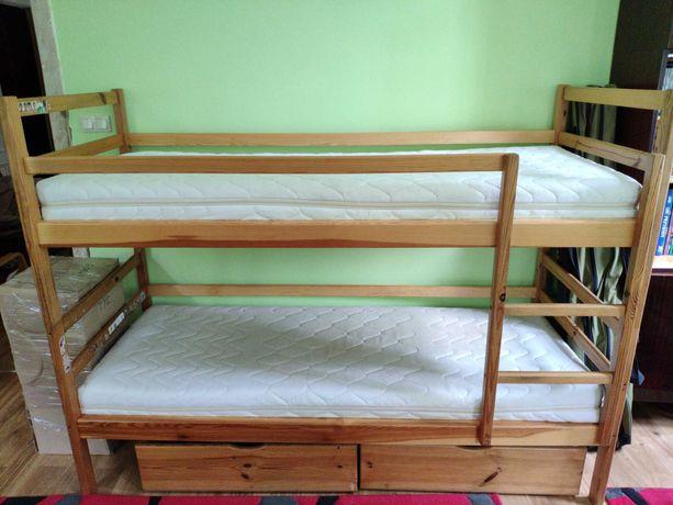 Łóżko piętrowe z materacami (same materace 400zł)