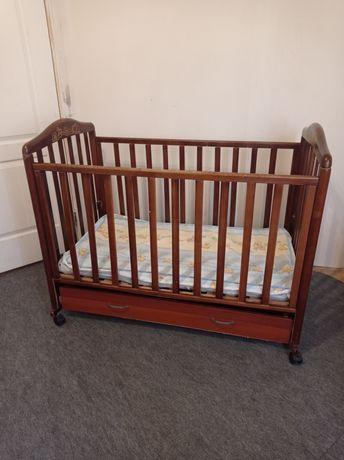 Продам кроватку з кокосовим матрацом ціна 600грн.торг