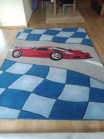 Sprzedam dywan dla chłopca