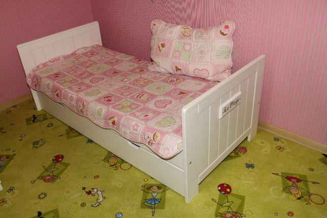pinio łóżko z szufladą całe z drewna i materacem stan BDB +GRATIS