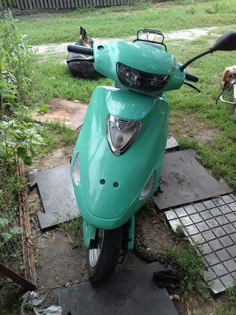 Продам скутер 2-х тактный китаец