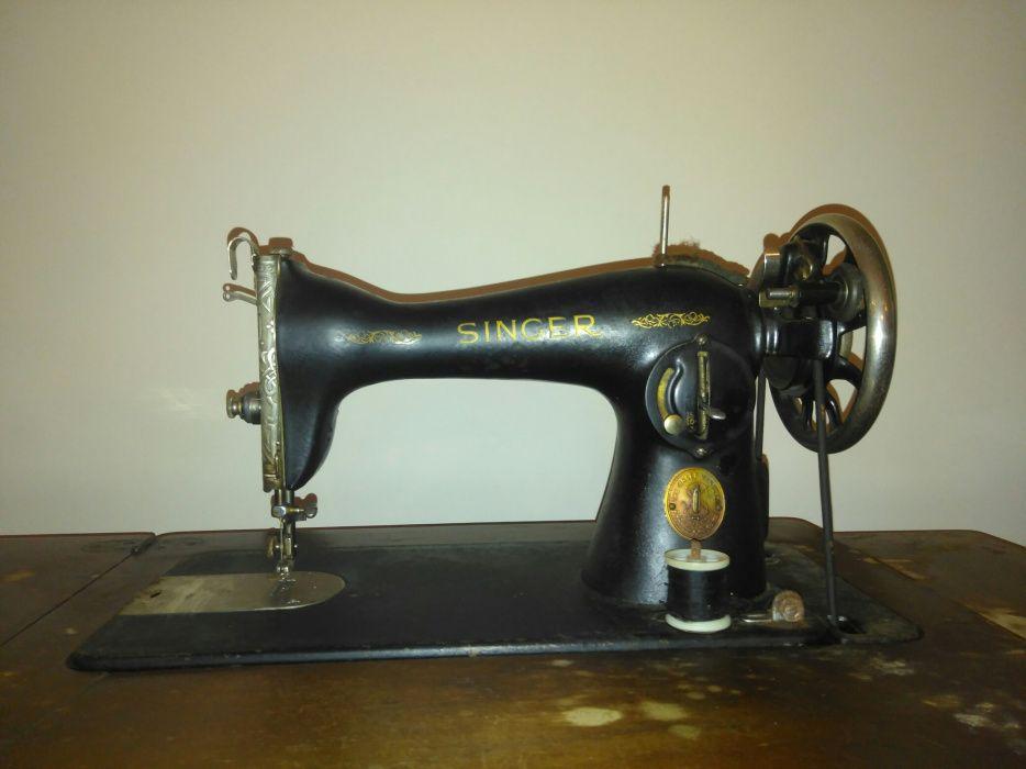 Maquina Costura SINGER Vintage Antiguidade