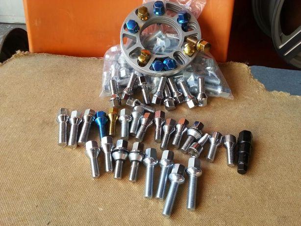Болт колесный, гайка, секретки, центровочные кольца для дисков