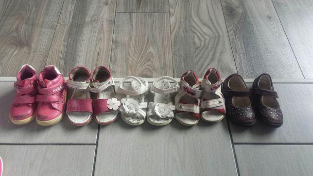 Zestaw bucików 22 dla dziewczynki sandałeczki