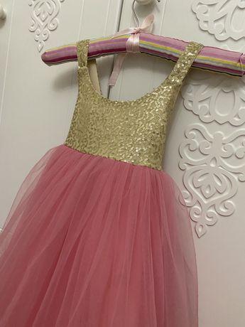 Платье для девочки , нарядное . 4-6лет