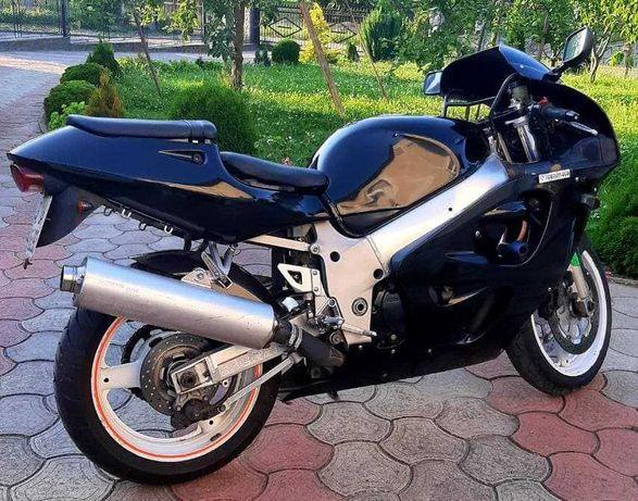 Suzuki gsx r 600 Українська реєстрація! Свіжопригнаний.