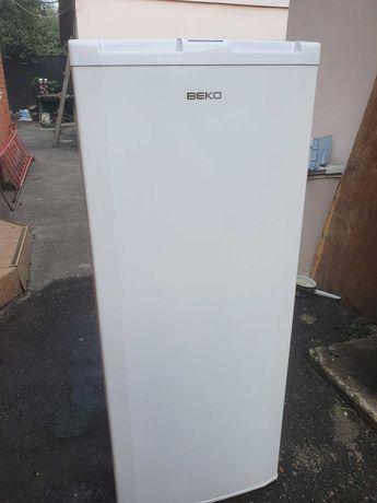 Морозильная камера BEKO FSA 21300