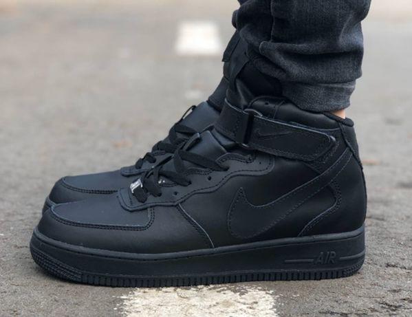 Зимние мужские кроссовки Nike Air Force Mid Black с мехом черные найк