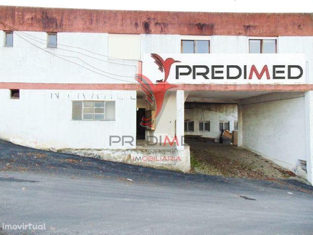 Armazém junto ao nó da IP4 em Vila Real