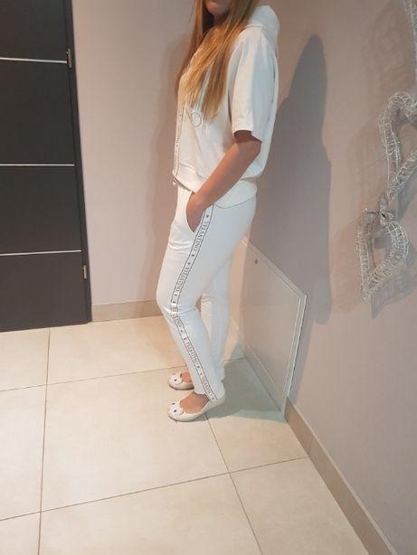 Białe spodnie z lampasami ostatnie sztuki cena promocyjna !