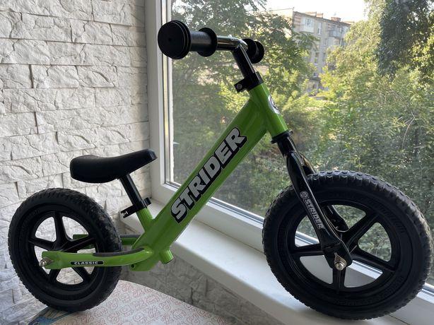 Детский беговел STRIDER Classic Green (зеленый)