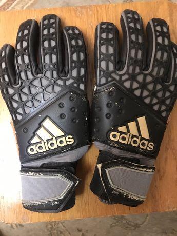 Продам перчатки adidas размер 6-7