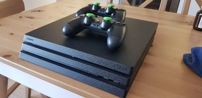Playstation 4 PRO, 2 pady, hełm VR, RDR2, MK11 + wiecej