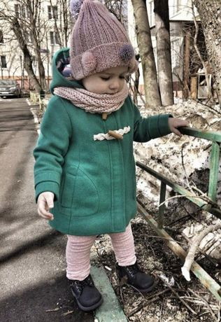 Фирменное пальто на девочку 12-18 мес Next