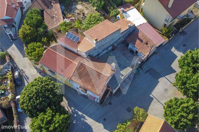 Casa para Recuperar com Pátio perto dos Carvalhais |Coimbra