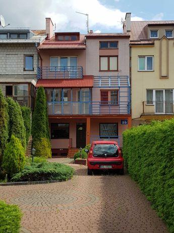 Suwałki, dom na sprzedaż w pasażu handlowo – usługowym w Suwałkach.