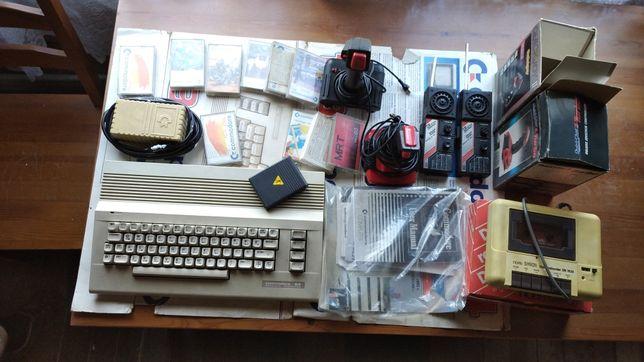 Commodore 64 zestaw, 10 kaset, 2 x joistick