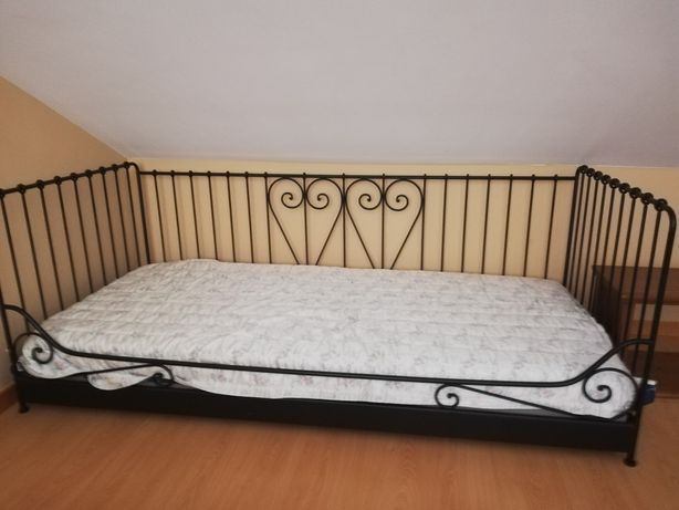 Vende-se cama de ferro