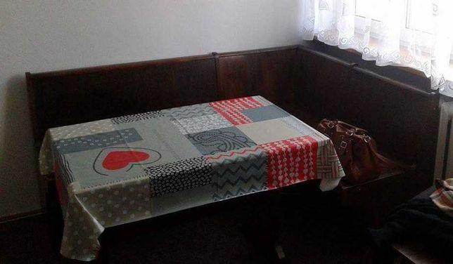 Zestaw mebli PRL stół, ława narożna, komoda, witryna, 4 krzesła