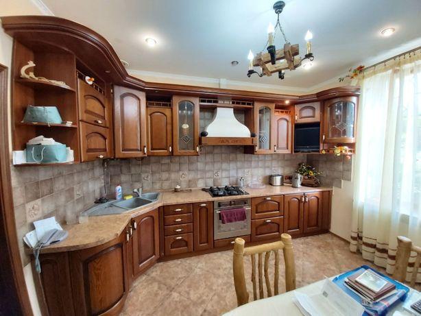 Продається 3-х кімнатна квартира по вул.Мечникова.