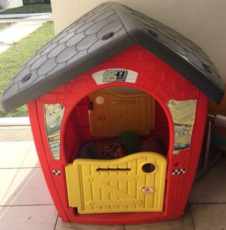 """Casa de brincar de exterior da marca """"cars"""""""