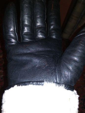 Продам мужские зимние,кожаные перчатки