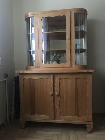 Witryna sosnowa z lustrem