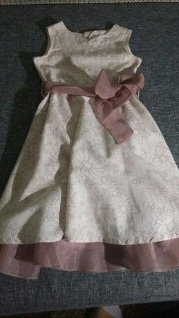 платье на рост-98-104 см 300 рублей
