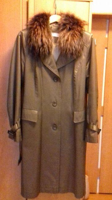 Płaszcz z kołnierzem z lisa- ocieplany, elegancki-stare złoto