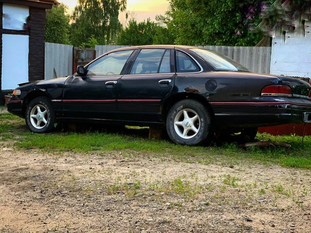 Продам Ford Crown Victoria