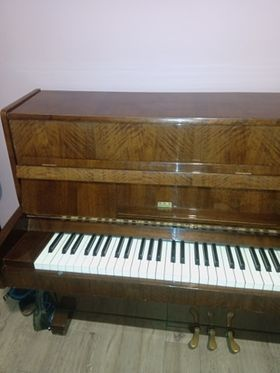 """Naprawdę warto!!  Okazja!!! pianino używane sprzedam """"Legnica"""""""