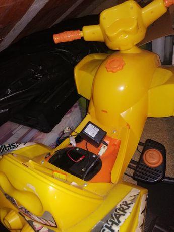 Moto 4 eletrica para crianças