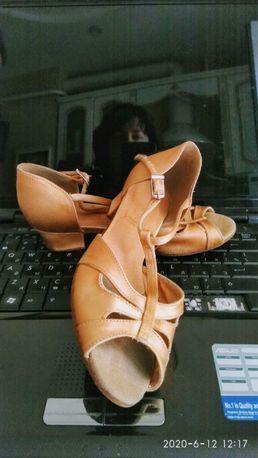 туфли сатиновые для бальных танцев