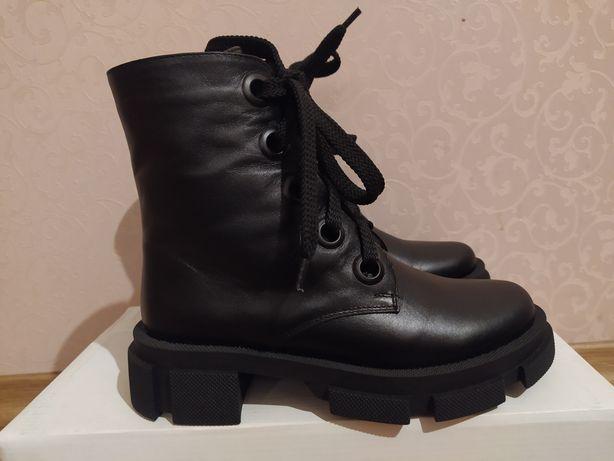 Ботинки на тракторной подошве, кожаные, демисезон! Новые!!! Р.36, 23см