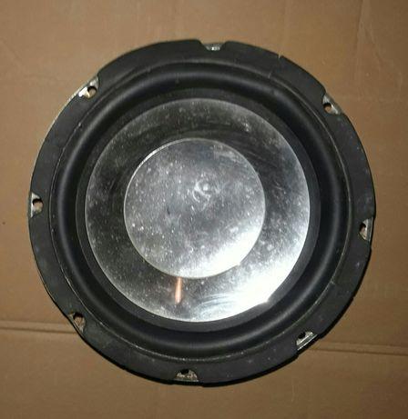 Głośnik do kolumn lub samochodu.