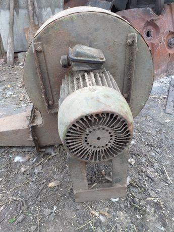 Вентилятор для кузнечного горна, б/у.