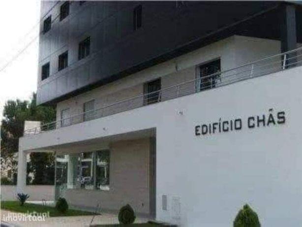 Arrenda-se apartamento T1 sem mobília em Fátima junto à Rotunda Norte.