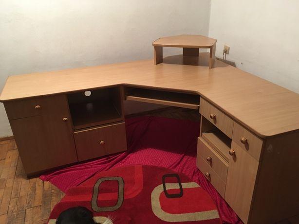 Olbrzymie biurko