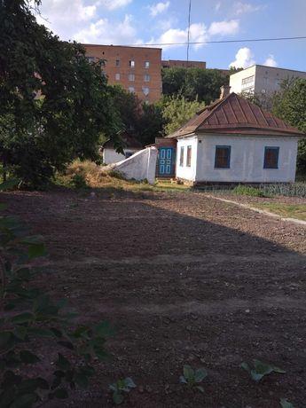 Продам приватизовану земельну ділянку з будинком