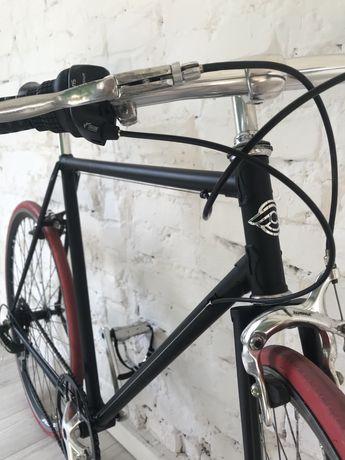 Rower miejski ostre koło kolarzówka