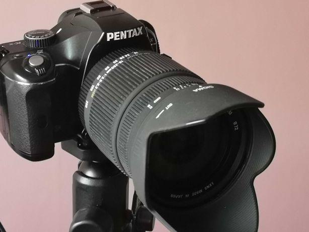PENTAX Kx wraz z obiektywem Sigma 18-250