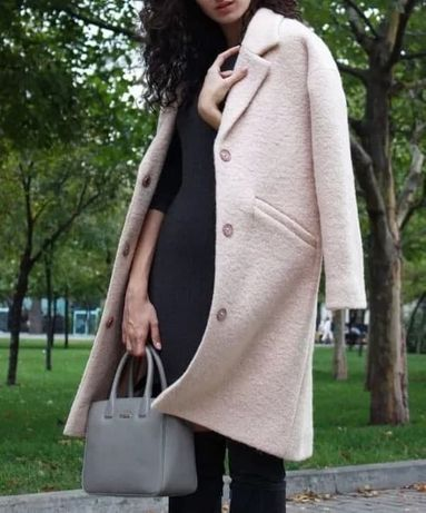 Персиковое пальто из полушерсти