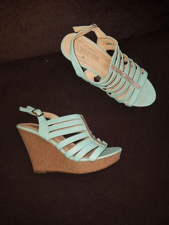 Sandały damskie w różnych rozmiarach