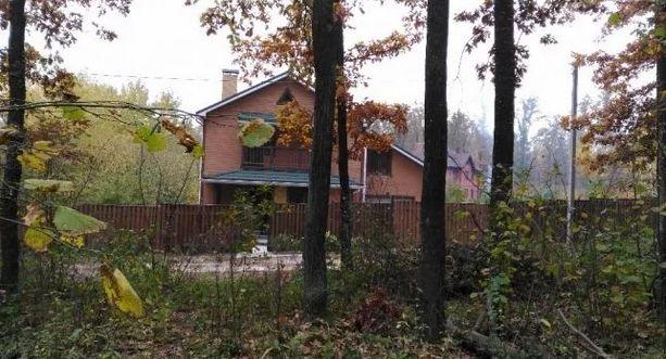 Продам шикарный 2-х эт. дом в Стоянке 288 кв.м. Участок 10 сот