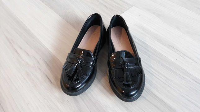 Nowe lakierki buty 30